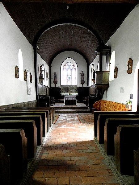 Chapelle des Haies en Saint-Berthevin-la-Tannière (53). Intérieur.