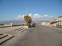 San Ferdinando (RC) - Viale Autonomia (lungomare)02.jpg