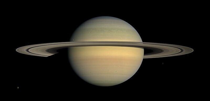 800px Saturn during Equinox