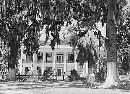 Old Jackson Plantation house, Schriever, Louisiana, June 1940 - Plantation