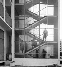 Schwedenhaus, Berlin-Hansaviertel, Treppenhaus 1957.jpg