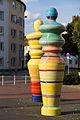Sculpture Dame und Koenig Siegfried Neuenhausen Fenskestrasse Hanover Germany.jpg
