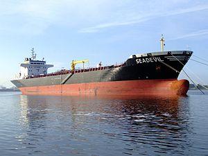 Seadevil p2 9113367 at the Calland canal, Port of Rotterdam, Holland 20-May-2007.jpg