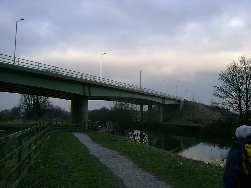 Selby Canal A63 Bridge - geograph.org.uk - 1727336