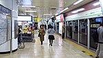 Seoul-metro-239-Hongik-university-station-platform-20181121-082952.jpg