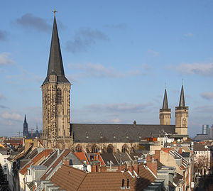 Basilica of St. Severin, Cologne - Image: Severeinskirche aus Severinstorburg 2009