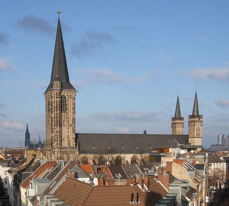 Severeinskirche aus Severinstorburg 2009.jpg