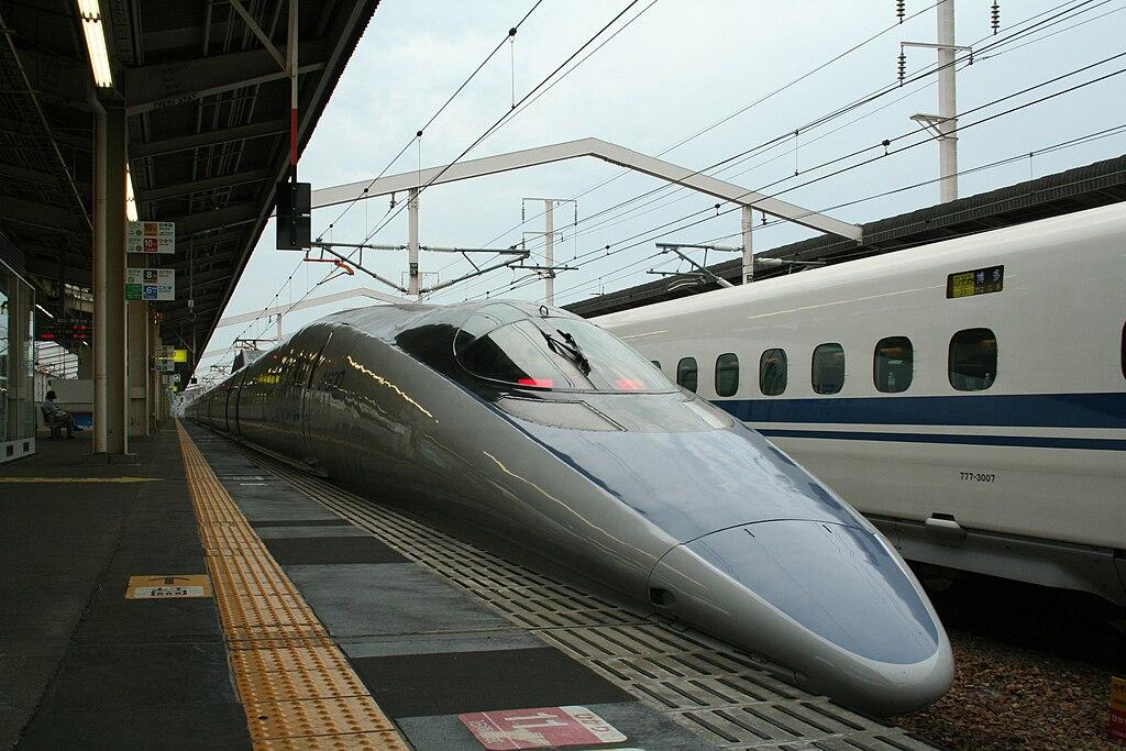 Shinkansen and Himeji Station M9 49