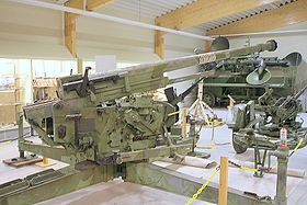 Skoda 75 mm model 1937 anti-aircraft cannon.right side.JPG