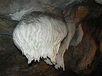 Snezhanka (cave) - Image: Snejanka cave udder