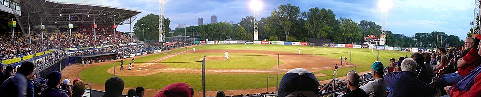 The Quebec Capitales, which play in the Stade Municipal play in the Can-Am League