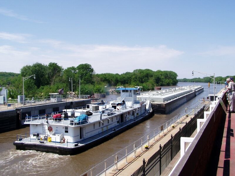 Starved Rock Lock (COE) tow downbound