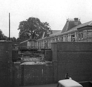 Stourbridge Town railway station - The original station in 1977, two years before demolition.