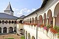 Strassburg Bischofsburg Innenhof Arkaden erster Stock 05092012 607.jpg