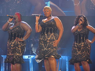 Suga Mama - The Mamas providing backing vocals on Knowles' I Am... Tour