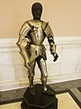 Suit of armour with no helmet (14332015271).jpg