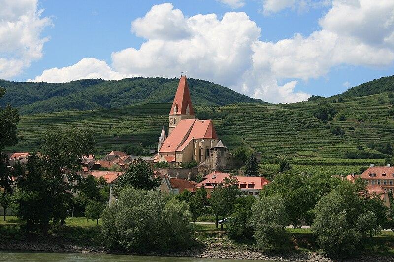 File:Terraced vineyards and village in Wachau.jpg
