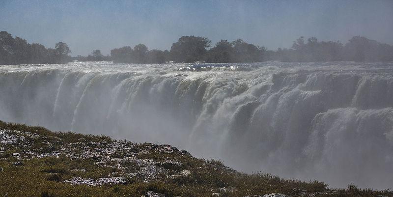 File:The Smoke that Thunders, Victoria Falls, Rainbow Falls, Zimbabwe (14535328812).jpg
