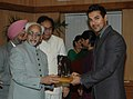 The Vice President, Shri Mohd. Hamid Ansari giving away the 'Earth-Eco Warrior Award', to Shri John Abraham, film actor, at a function, in New Delhi on June 05, 2008.jpg