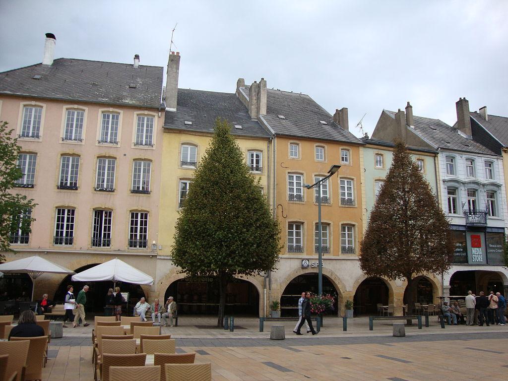 Place du Marché et ses arcades