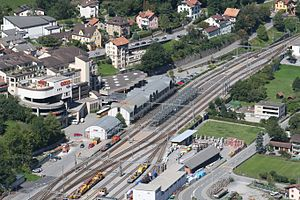 Thusis (Rhaetian Railway station) - Thusis station from above.