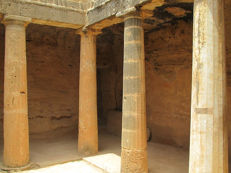 Tombs of the Kings (Pafo) by Paride2.JPG
