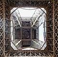 Tour Eiffel vue par dessous (Paris2018).jpg