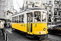Tram 28 (34333151954).jpg