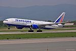 Transaero Airlines, Boeing 777-212(ER), EI-UNS (17611443853).jpg