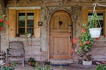 Trub Bauernhaus Schmittenhof Eingang.jpg