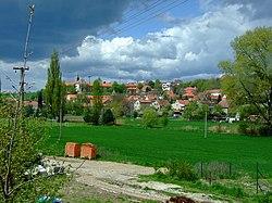 Tuchoměřice, pohled na obec.jpg