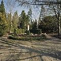 Tuin, beeld van Christus als Goede Herder - Steijl - 20341994 - RCE.jpg