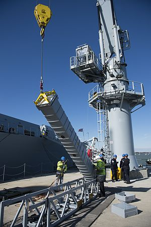 Aster (missile family) - Loading onto HMS Diamond