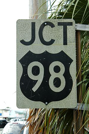 U.S. Route 98 in Florida - A black US 98 shield used in Florida until 1993.