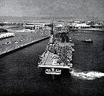 USS Essex (CVA-9) leaving San Diego on 16 June 1952.jpg