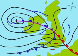 Теплый. атмосферные фронты. и. Мнимая схема внетропического циклона.  Синие и красные стрелочки указывают. холодный...