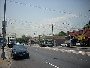 Fresh Meadows, Queens - Union Turnpike in Hillcrest