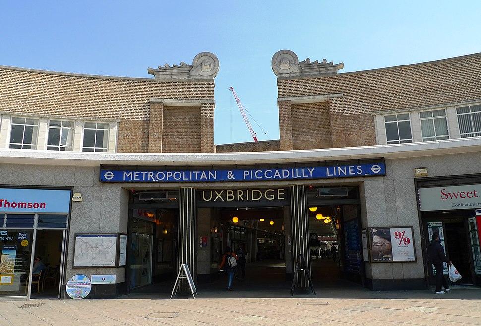 Uxbridge tube station - Ewan-M