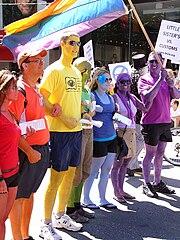 Orgullo Lésbico - Gay!!! 180px-Vancouver_Gay_Pride%2C_3_ao%C3%BBt_2008%2C_10