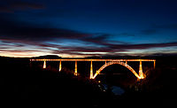 Viaduc de Garabit de nuit.jpg