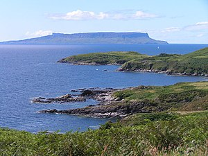 English: View to Eigg. from Sleat, Isle of Sky...