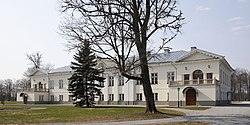 Vihterpalu manor1, Estonia, April 2006.jpg
