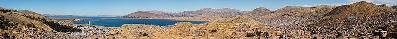 Vista de Puno y el Titicaca, Perú, 2015-08-01, DD 64-72 PAN.JPG
