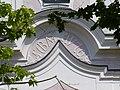 Vornbach Klosterkirche - Fassade Inschrift.jpg