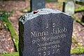 Waibstadt - Jüdischer Friedhof - Neuer Teil - Kastanie auf Grabstein.jpg