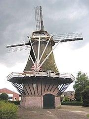 Galerieholländerwindmühle mit Steert und Haspel