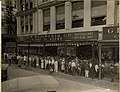 Woolworth Canal Bourbon New Orleans 1922 Crowd.jpg