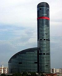 Wrocław, 2006 - 2012 - budowa Sky Tower - fotopolska.eu (311325).jpg