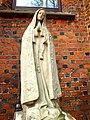 Wrocław - Ołtaszyn, figura Madonny przy kościele pw. Wniebowzięcia NMP.jpg