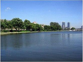 Xuanwu Lake - Image: Xuanwulake city walls